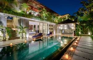 Villa Ipanema Bali - The villa at night